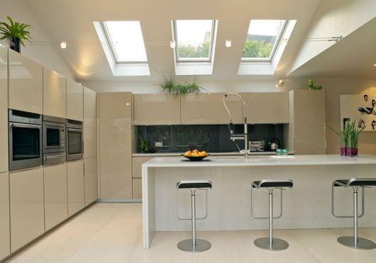 monter sur le toit conseils et r gles de s curit. Black Bedroom Furniture Sets. Home Design Ideas